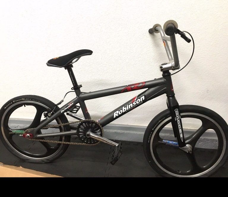 Robinson Defender Mid School bmx bike made by gt bmx